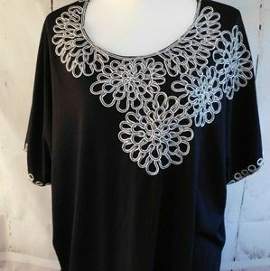 Maggie Barnes Black with White Embroider 2X